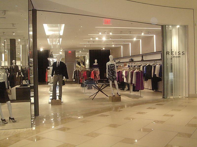 Reiss Aventura Storefront