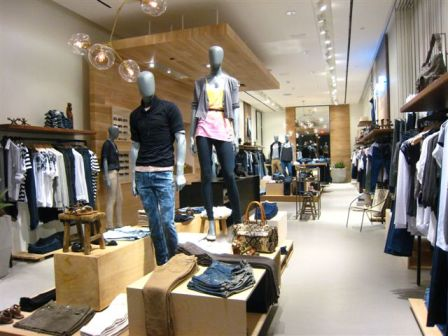 Shopkeepers' Nation: 7 For All Mankind
